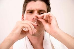 Nasenhaarentfernung beim Mann - besser mit Nasenhaarentferner