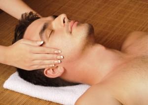 Eine Massage entspannt - © fotosmile777 - Fotolia.com