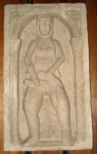Entfernung der Intimbehaarung im 12. Jahrhundert - Skulptur im Castello Sforzesco